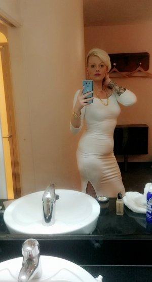 Fatima-zahraa incall escort in Newcastle