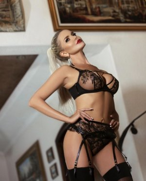 Lilou-anne outcall escorts